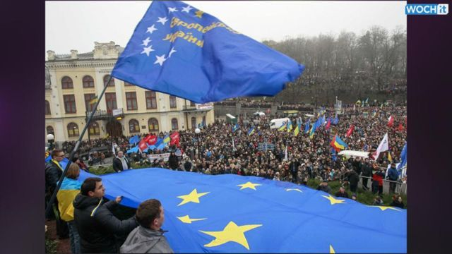 News video: Mass Protests In Ukraine Against Government U-turn On EU